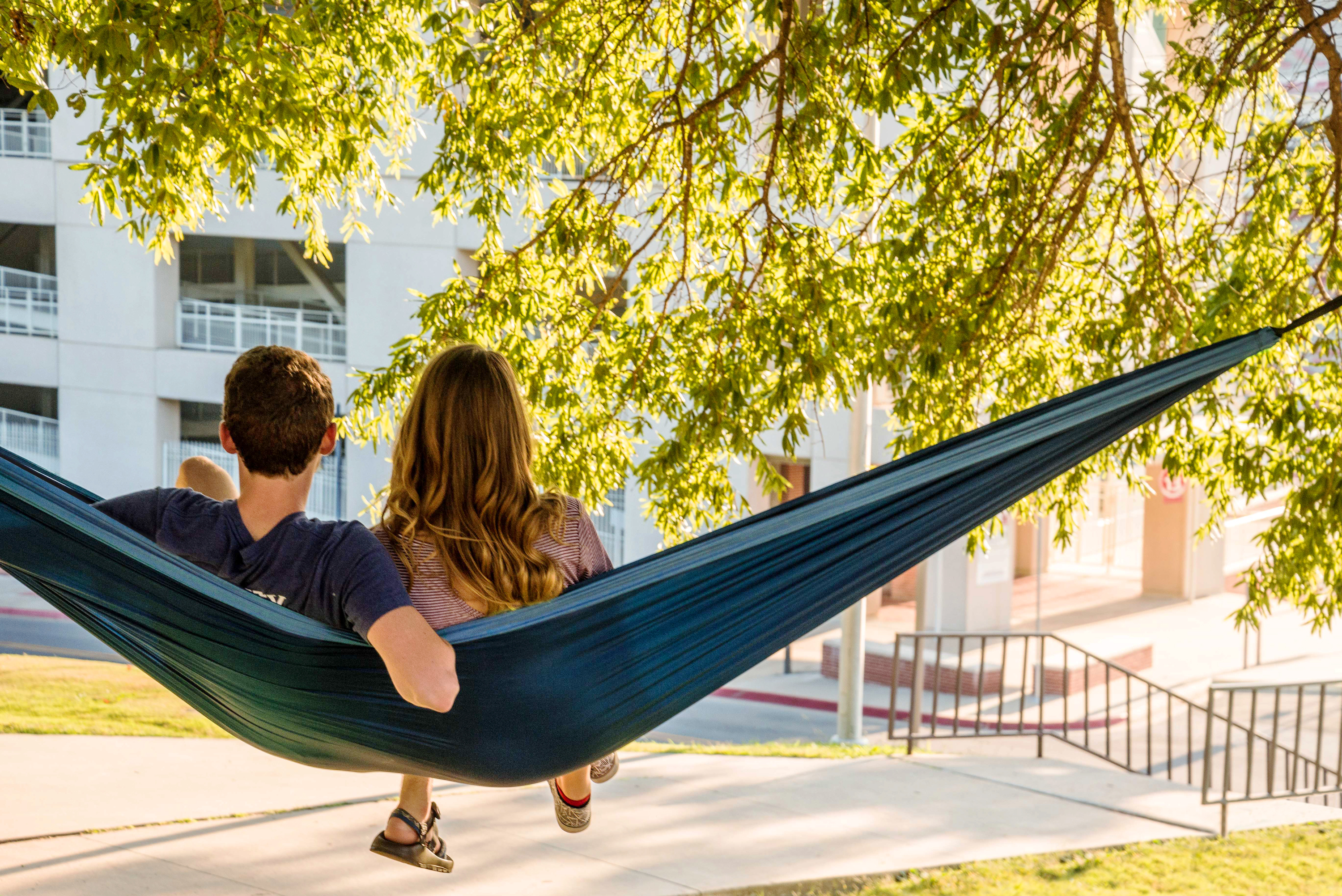 Hanging out and hammocking in the park - Colibri Camping Hammock